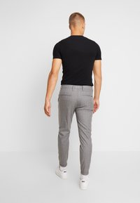 Gabba - PISA CROSS - Pantalon classique - light grey