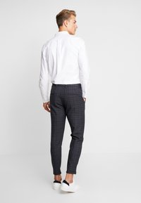 Gabba - PISA REDUE PANTS - Bukse - grey check - 2