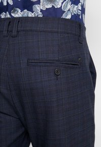 Gabba - ROME CHECK PANTS - Bukse - blue - 4