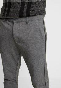 Gabba - PISA PIPE PANT - Bukse - grey melange - 3