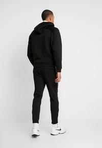 Gabba - PISA PIPE PANT - Trousers - black - 2