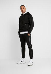 Gabba - PISA PIPE PANT - Trousers - black - 1