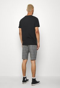 Gabba - JASON BIG CHECK - Shorts - grey - 2