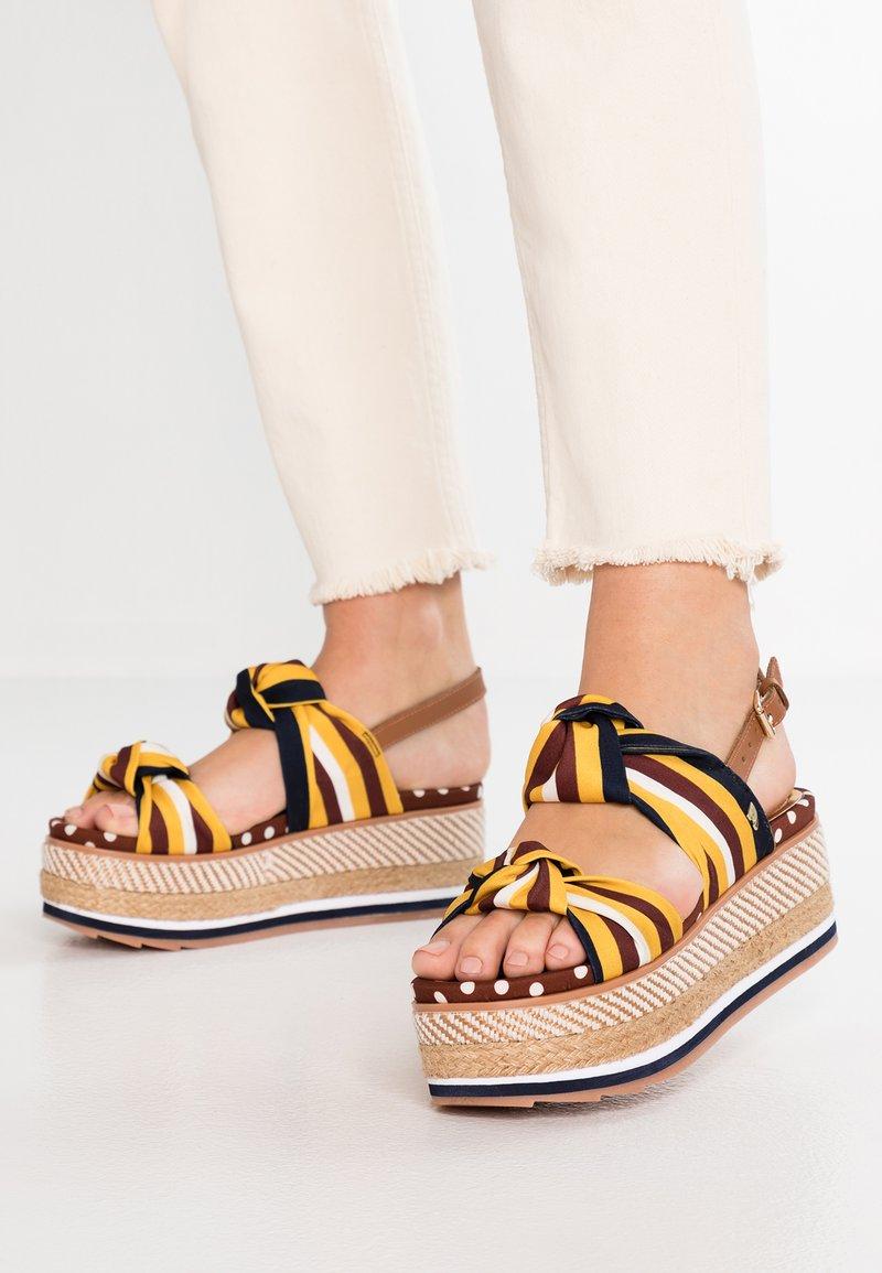 Gioseppo - XANTHI - Platform sandals - marron