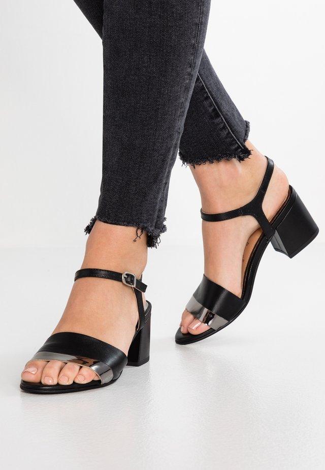 ERICEIRA - Sandaalit nilkkaremmillä - black