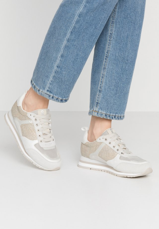 NARBOLIA - Sneakers - silver