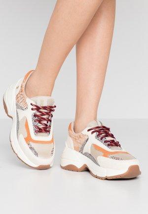 VALDERICE - Sneakers laag - beige