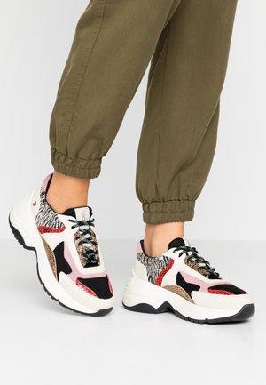 VALDERICE - Sneaker low - black