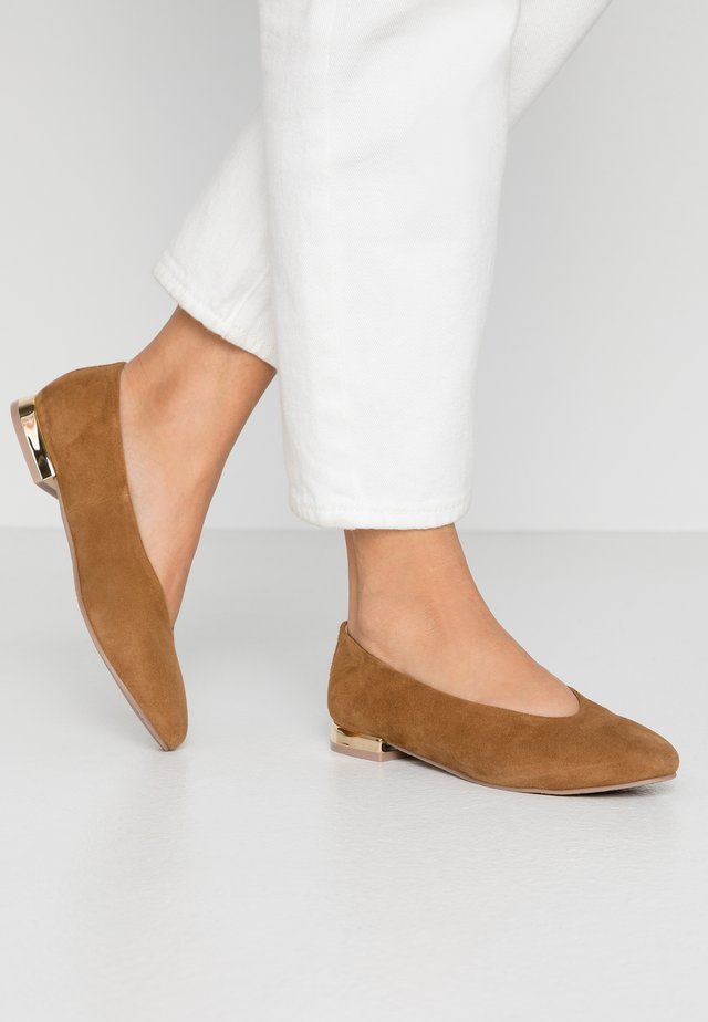 CORINTH - Ballet pumps - brown