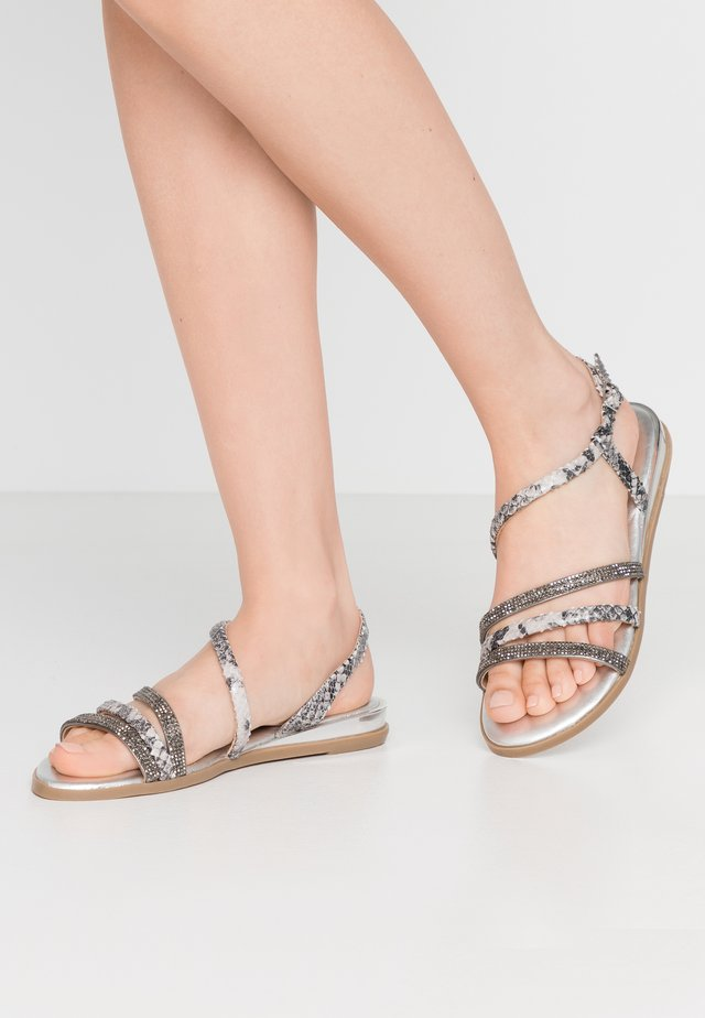 FRISCO - Sandalen - pewter