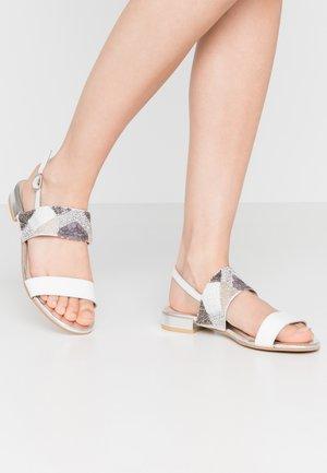 OLEAN - Sandalias - white