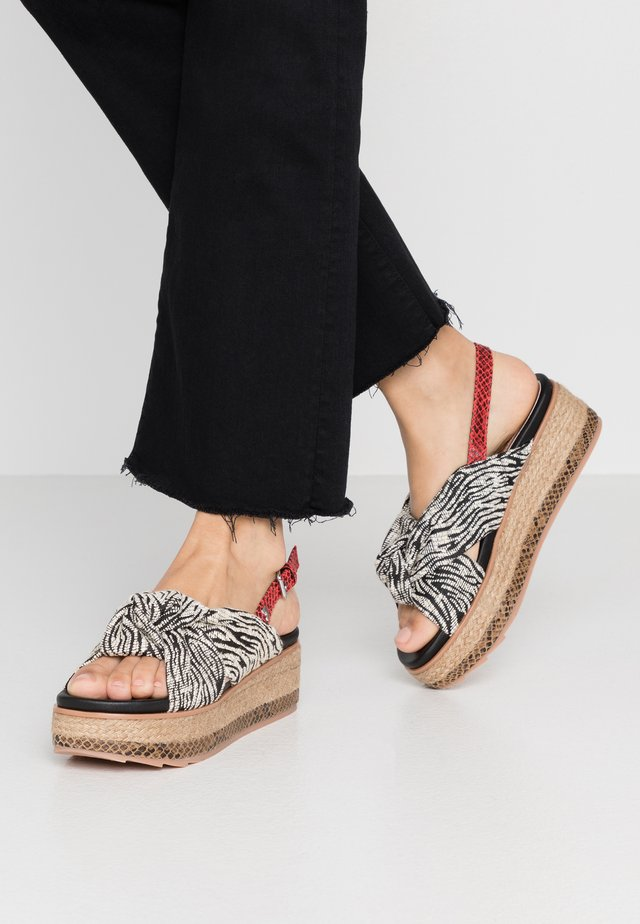 NEVELE - Espadrilles - black