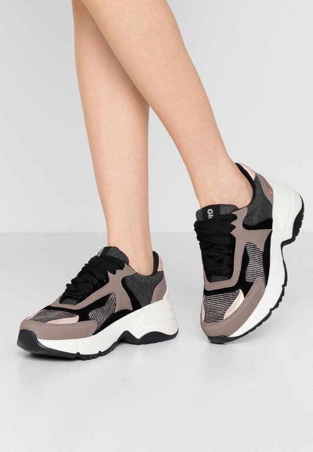 RENNERT - Sneakers - black
