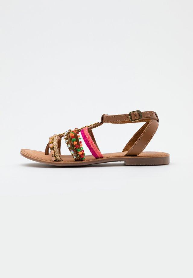 T-bar sandals - rosa