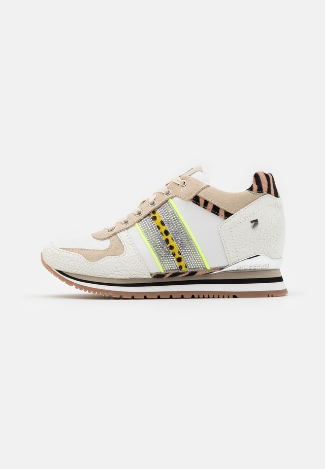 MODAVE - Trainers - beige
