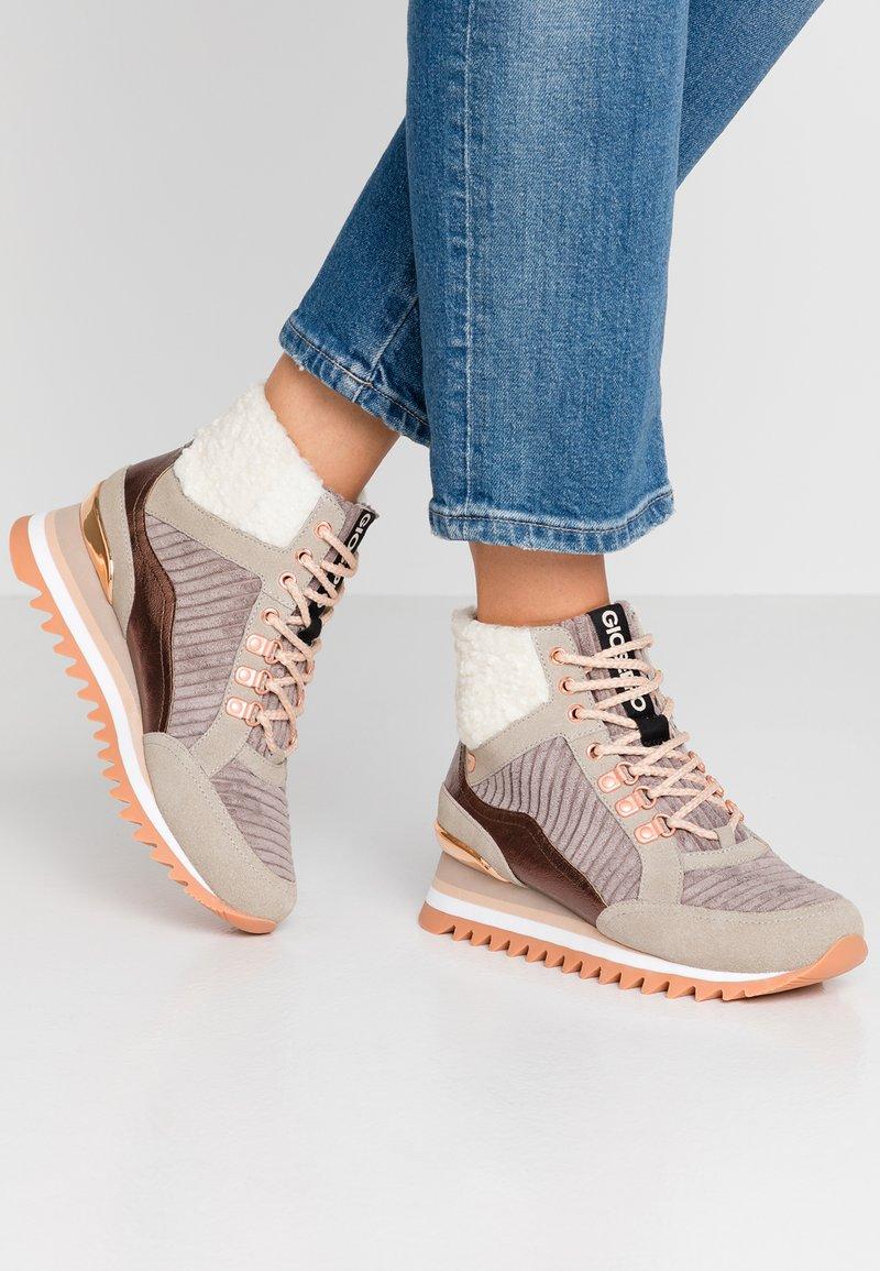 Gioseppo - Sneakers hoog - beige