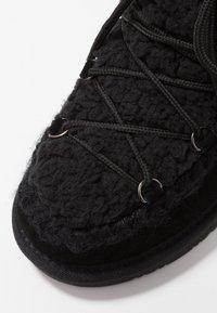 Gioseppo - Kotníkové boty na klínu - black - 2