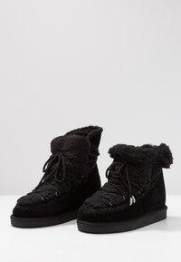 Gioseppo - Kotníkové boty na klínu - black - 7