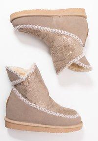 Gioseppo - Kotníkové boty na klínu - sand - 3