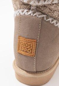 Gioseppo - Kotníkové boty na klínu - sand - 2