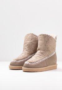 Gioseppo - Kotníkové boty na klínu - sand - 4