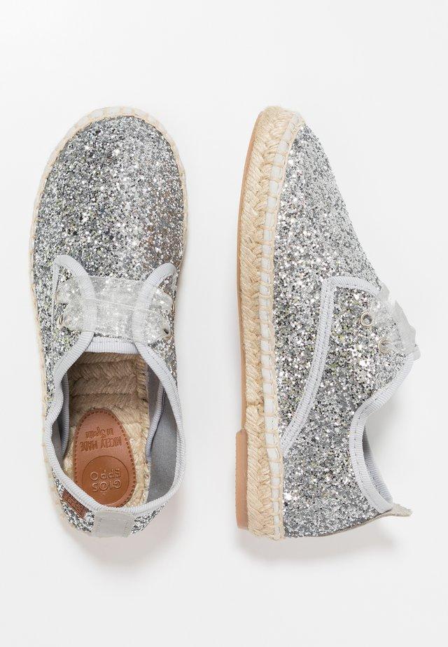ARIELLI - Volnočasové šněrovací boty - plata