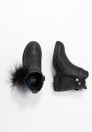 Nilkkurit - black
