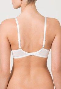 Gossard - SUPERBOOST PLUNGE BRA - Push-up bra - white - 2