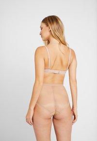 Gossard - GLOSSIESDEEP BRIEF - Kalhotky/slipy - nude - 2