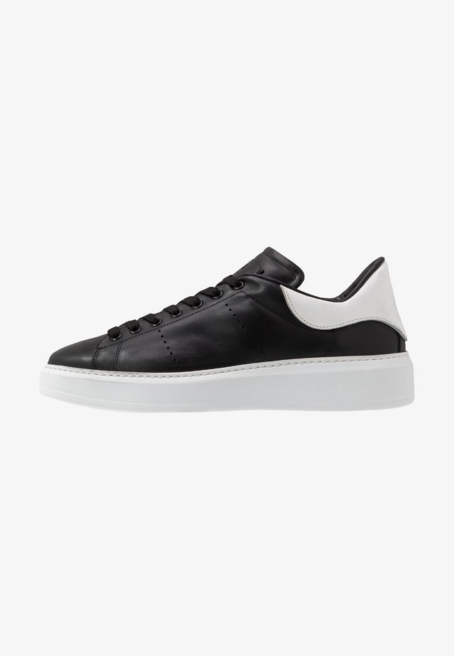 Sneaker low - black/bianco
