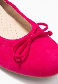 Gabor - Ballet pumps - fuxia - 2