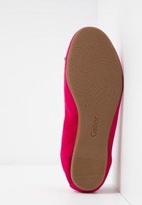 Gabor - Ballet pumps - fuxia - 6