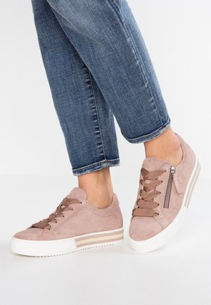 WIDE FIT - Sneakers - rouge