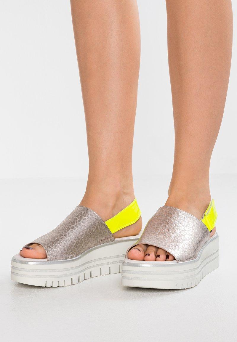 Gabor - Platform sandals - puder/neongelb