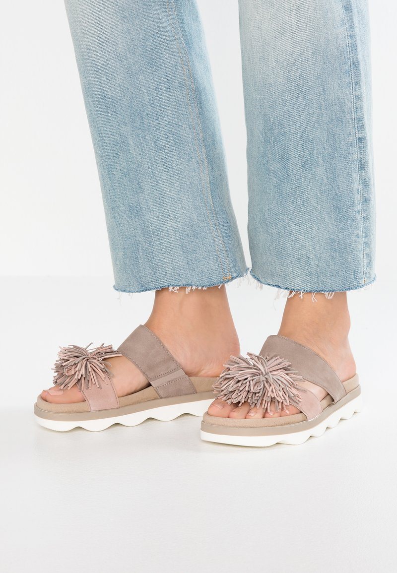 Gabor - Pantolette flach - visone/a`rosa/skin