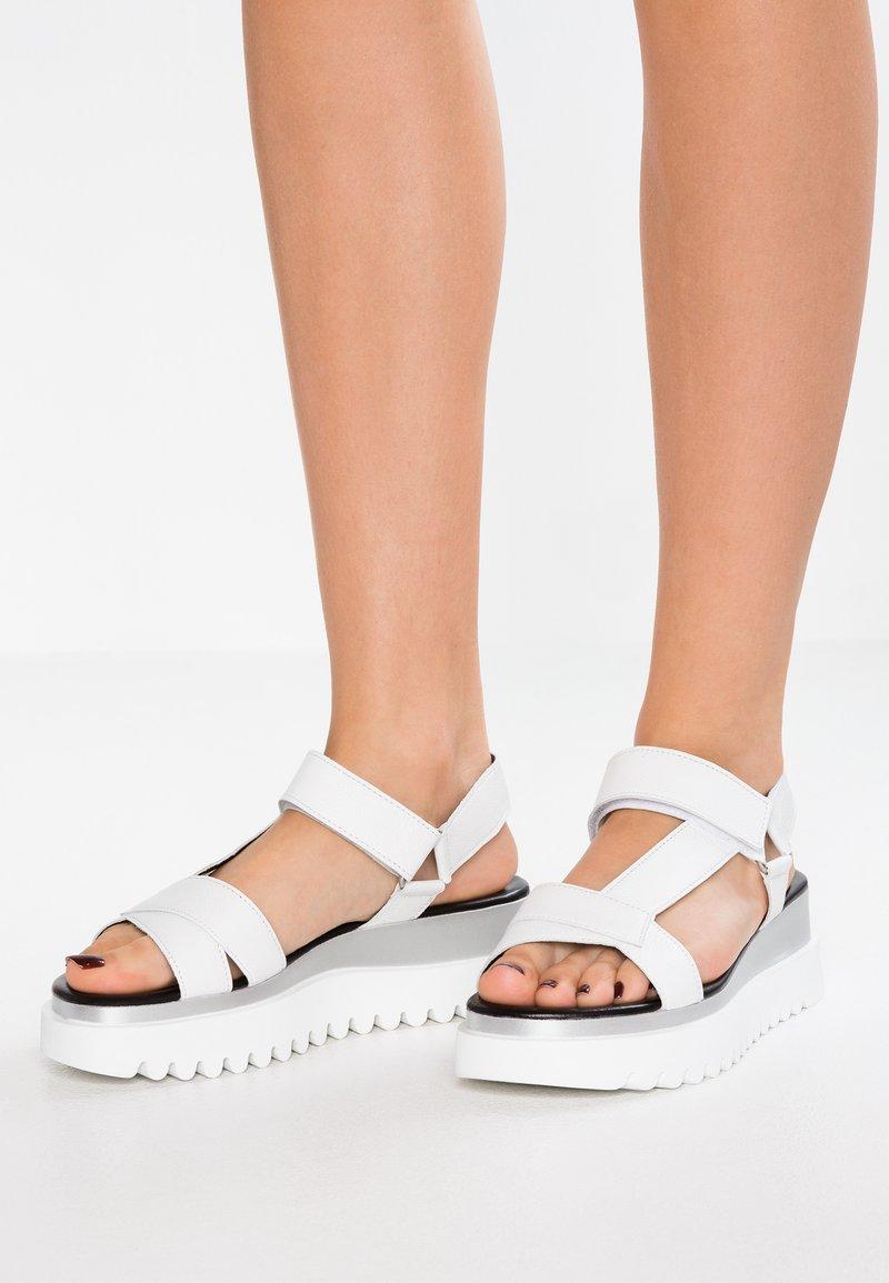 Gabor - Platform sandals - weiß