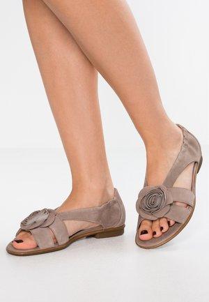 Sandalias - visone