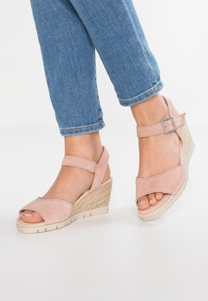 WIDE FIT - Keilsandalette - light rose