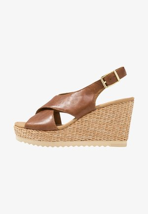 High heeled sandals - peanut