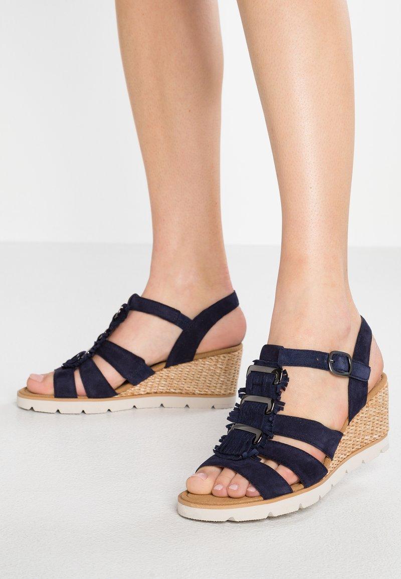 Gabor - Sandalen met sleehak - bluette