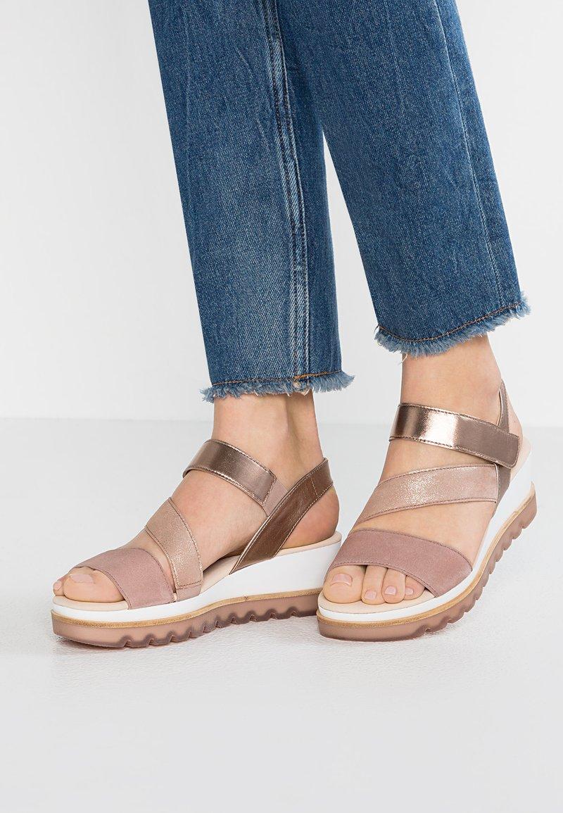 Gabor - Sandalias con plataforma - rosa/rose/rame