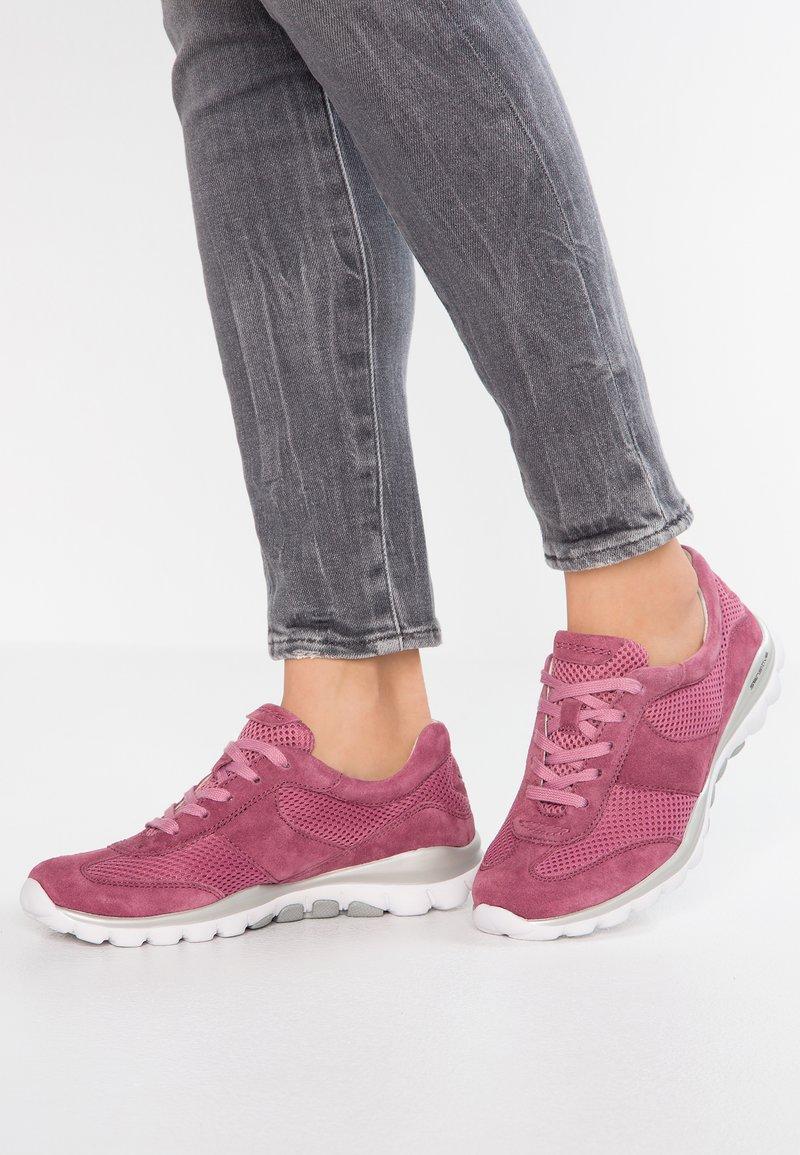 Gabor - ROLLING SOFT - Sneaker low - rosa