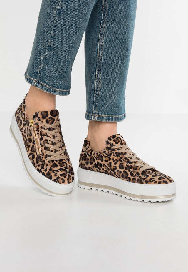 WIDE FIT - Sneakers laag - natur