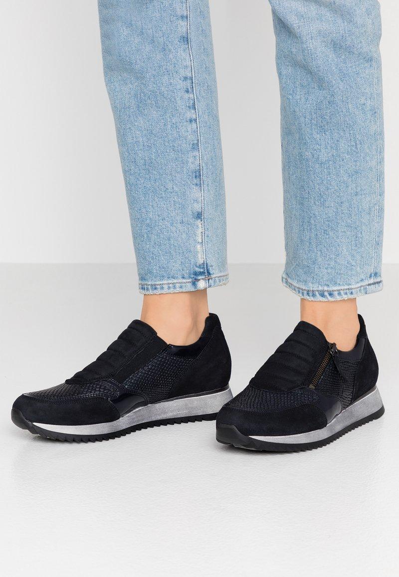 Gabor - WIDE FIT - Sneaker low - cobalt/pazifik
