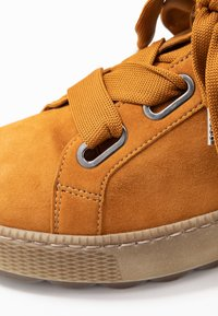 Gabor - WIDE FIT - Joggesko - curry - 2