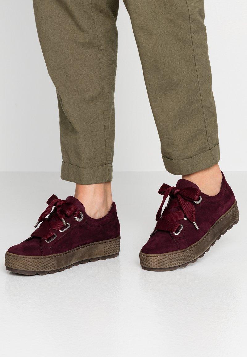 Gabor - WIDE FIT - Sneaker low - new merlot