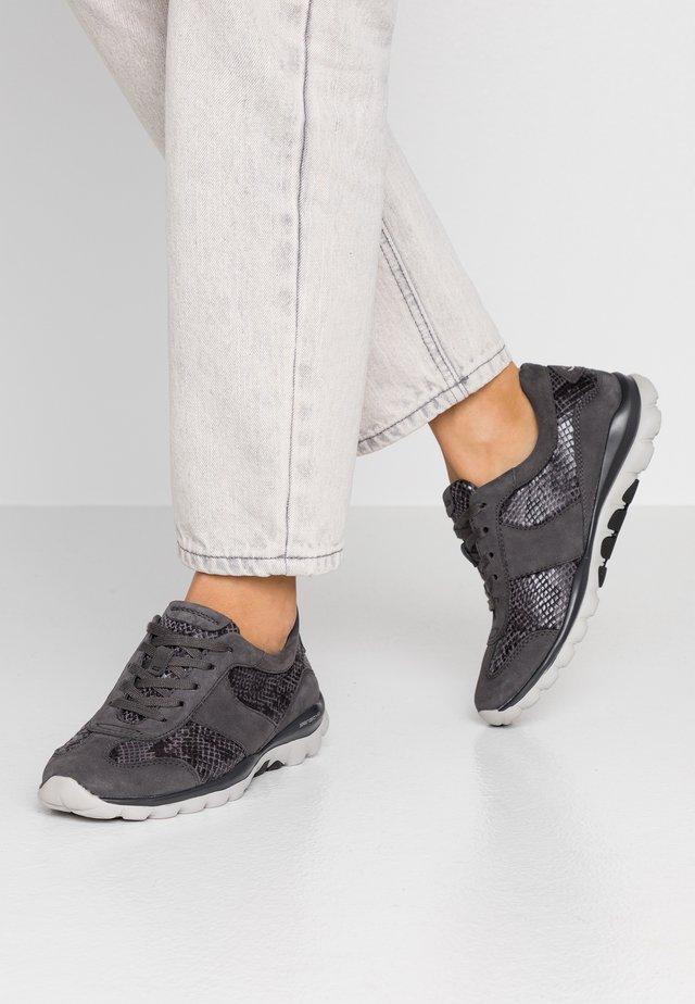 WIDE FIT - Sneakers laag - carbone