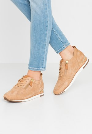 Baskets basses - caramel/cognac