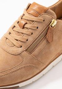 Gabor - Sneakers - caramel/cognac - 2