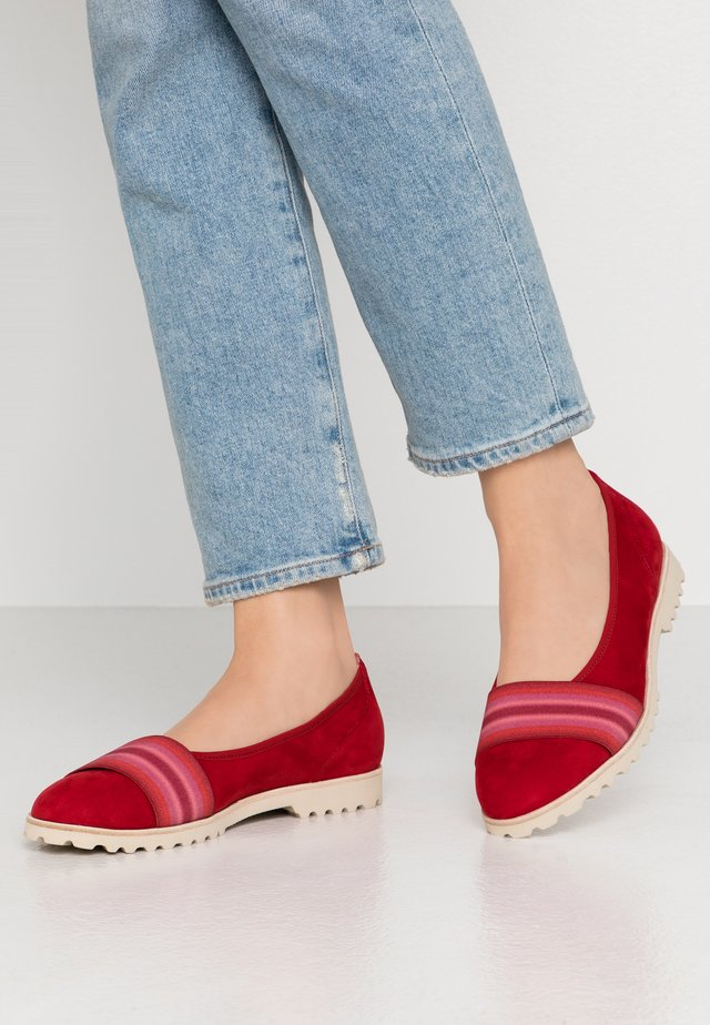 Ballet pumps - cherry